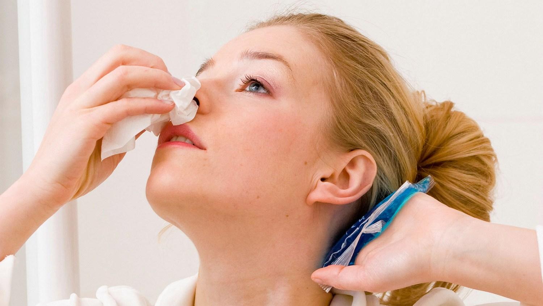 Остановить кровь из носовых проходов