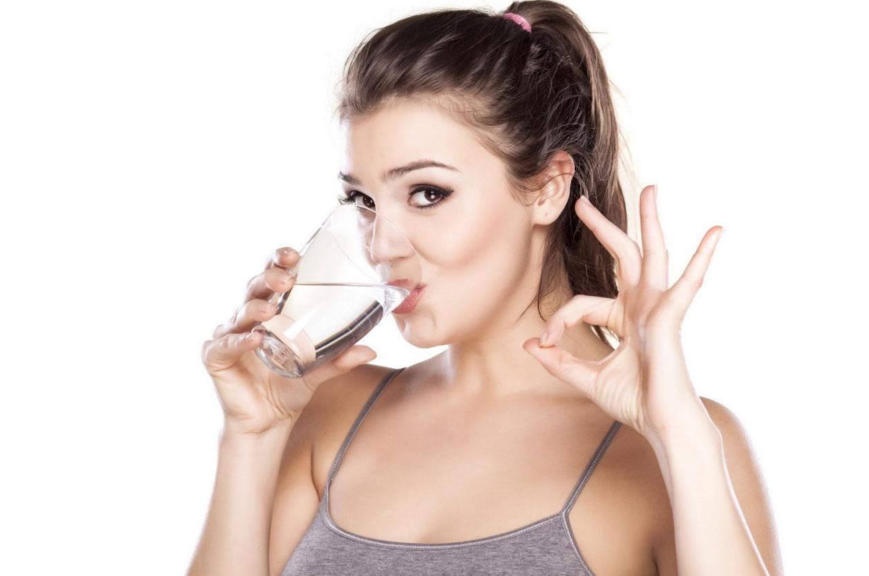Прием 1 стакана воды натощак