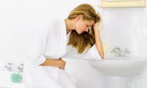 Тошнота и рвота свидетельствуют о резком изменении артериального давления