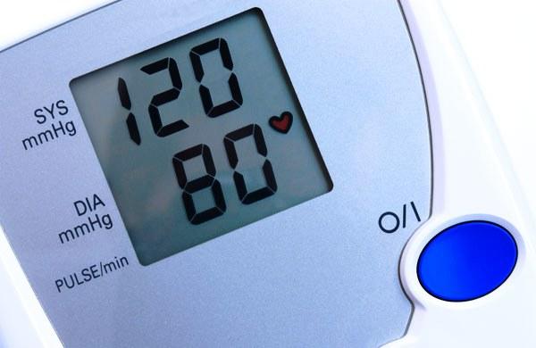 Циферблат в конечном итоге покажет систолические и диастолические цифры артериального давления