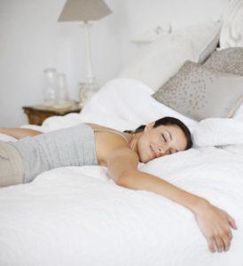 Расслабление на кровати