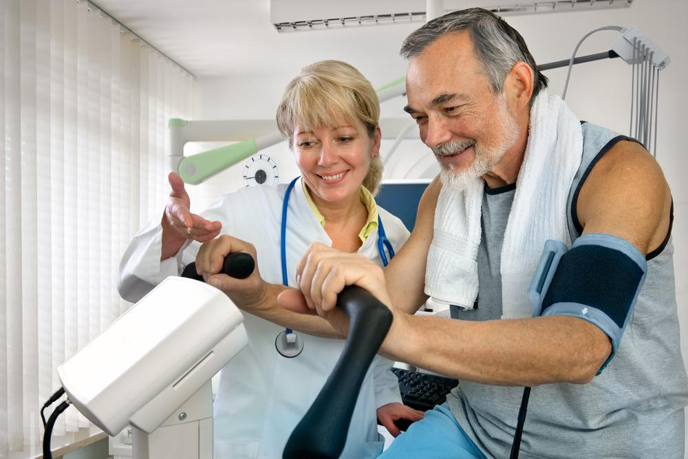 Обговорить с врачом вид подходящей физической активности
